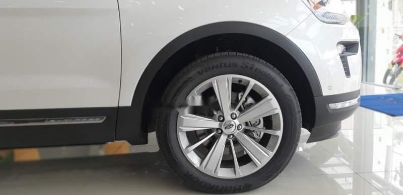 Cần bán xe Ford Explorer sản xuất 2019, màu trắng, nhập khẩu-2