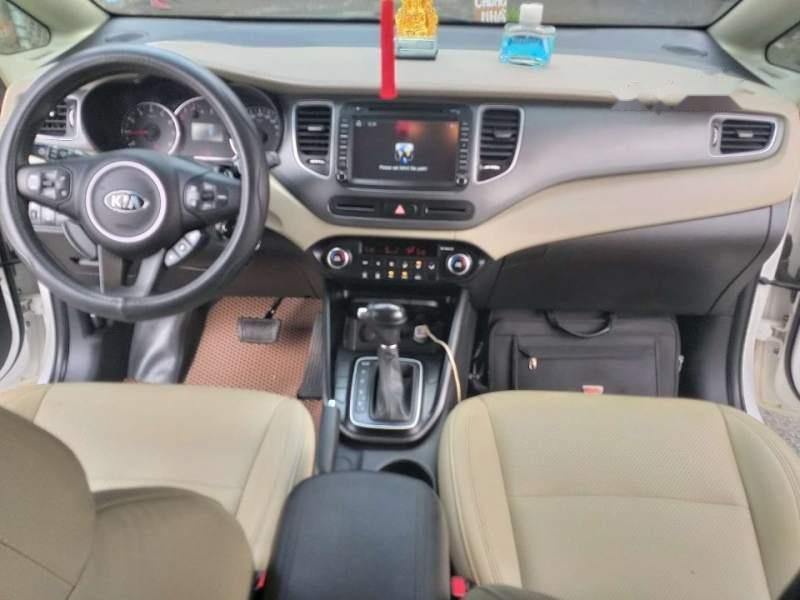 Bán ô tô Kia Rondo GAT đời 2017, màu trắng chính chủ-5