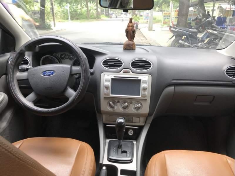 Bán Ford Focus năm 2010, màu bạc, 335tr-4