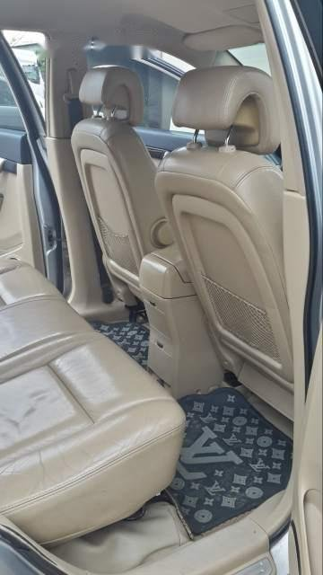 Cần bán xe Chevrolet Captiva sản xuất năm 2008, màu bạc -4