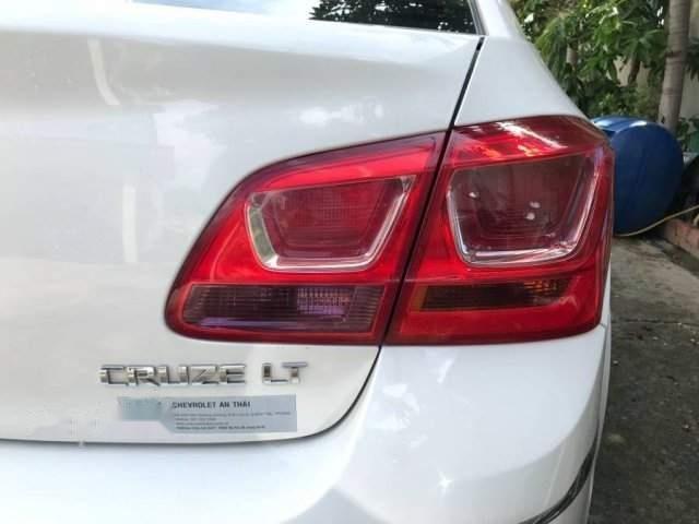 Cần bán gấp Chevrolet Cruze sản xuất 2016, màu trắng xe gia đình-4