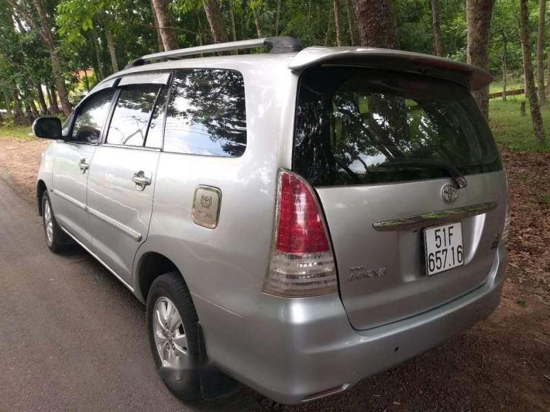 Bán Toyota Innova G sản xuất 2009, màu bạc chính chủ (2)