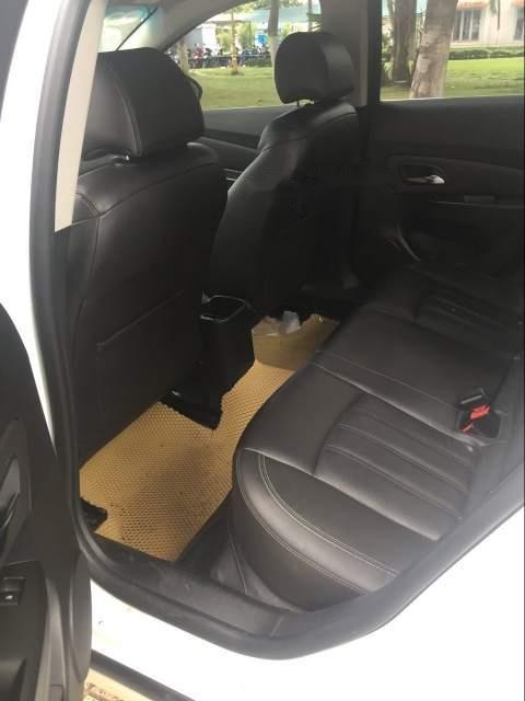 Cần bán lại xe Chevrolet Cruze sản xuất năm 2017, màu trắng-5