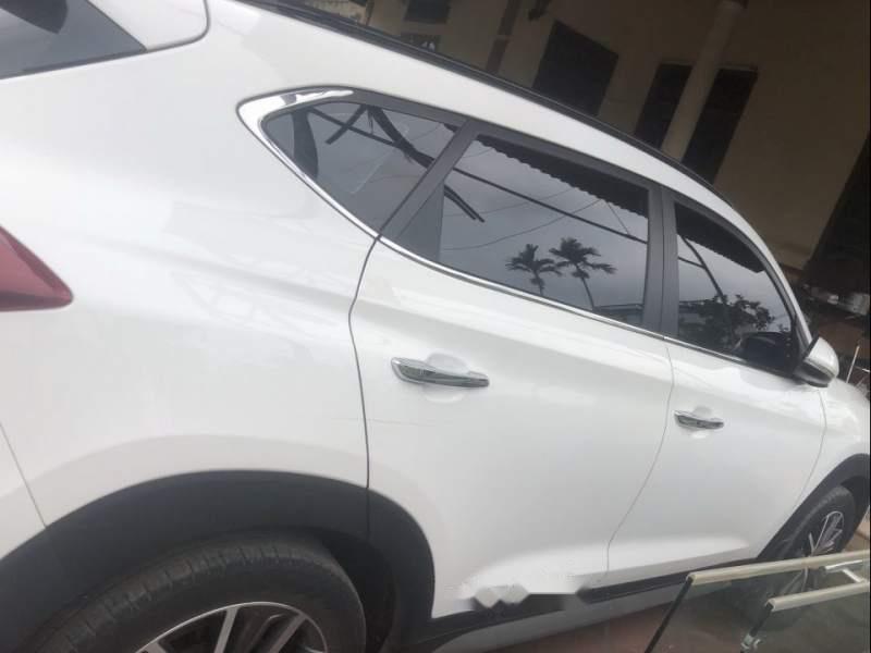 Bán Hyundai Tucson đời 2016, màu trắng, xe nhập chính chủ-1