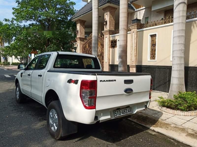 Bán gấp Ford Ranger sản xuất năm 2019, màu trắng, nhập khẩu xe gia đình (4)