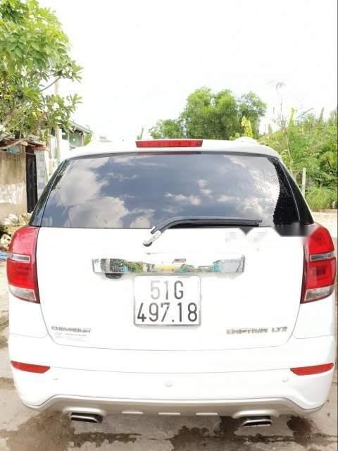 Cần bán lại xe Chevrolet Captiva đời 2017, màu trắng-2