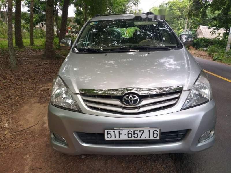 Bán Toyota Innova G sản xuất 2009, màu bạc chính chủ (4)