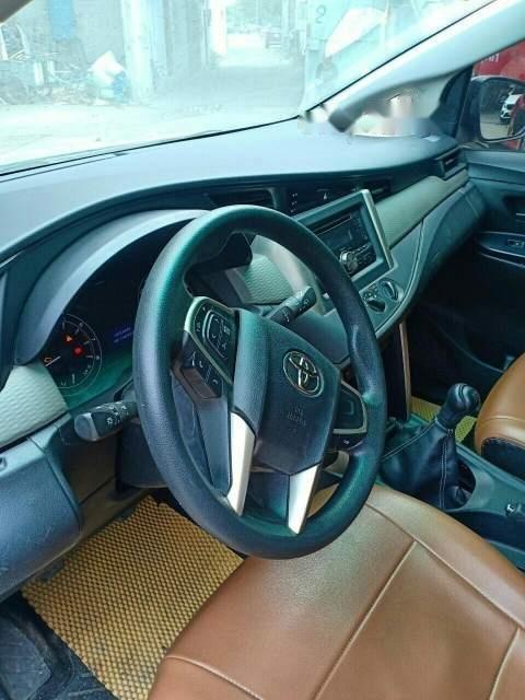 Bán xe Toyota Innova sản xuất 2017, số sàn (4)
