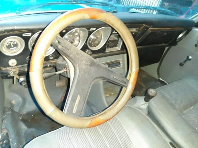 Cần bán Toyota Crown đời 1980, hai màu-1