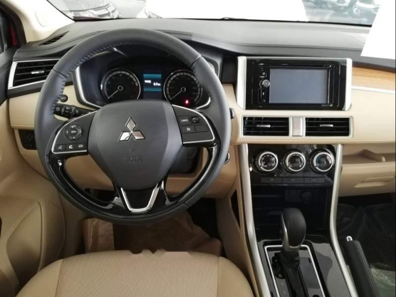Cần bán Mitsubishi Xpander AT sản xuất năm 2019, màu bạc, nhập khẩu-4
