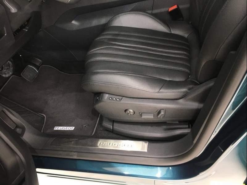 Cần bán Peugeot 5008 năm 2019, màu xanh -2