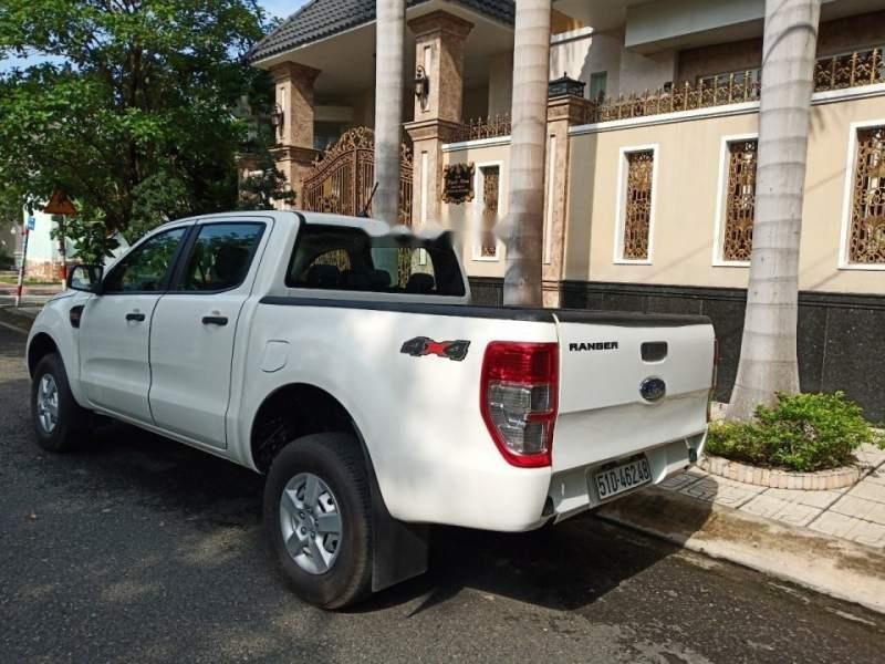 Bán gấp Ford Ranger sản xuất năm 2019, màu trắng, nhập khẩu xe gia đình (3)