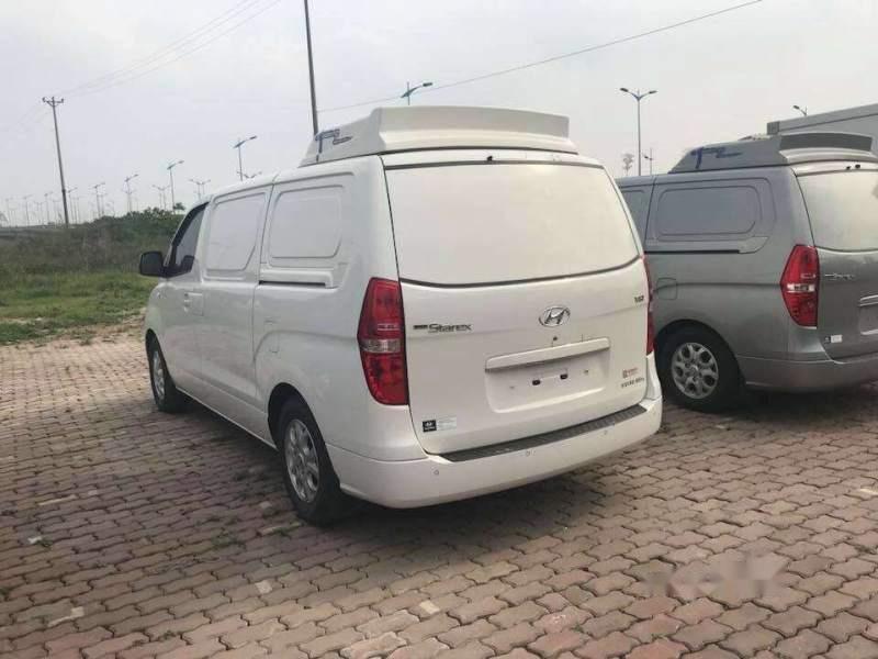 Cần bán lại xe Hyundai Grand Starex đời 2015, màu trắng, nhập khẩu nguyên chiếc số tự động-1