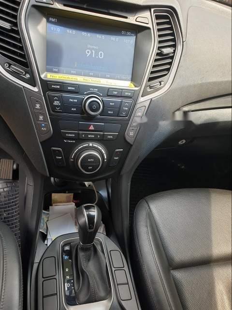 Cần bán gấp Hyundai Santa Fe sản xuất năm 2015, màu trắng-4
