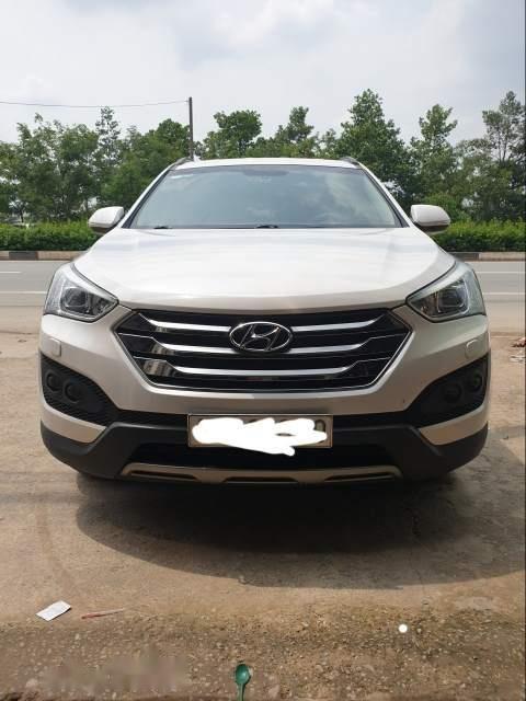 Cần bán gấp Hyundai Santa Fe sản xuất năm 2015, màu trắng-2