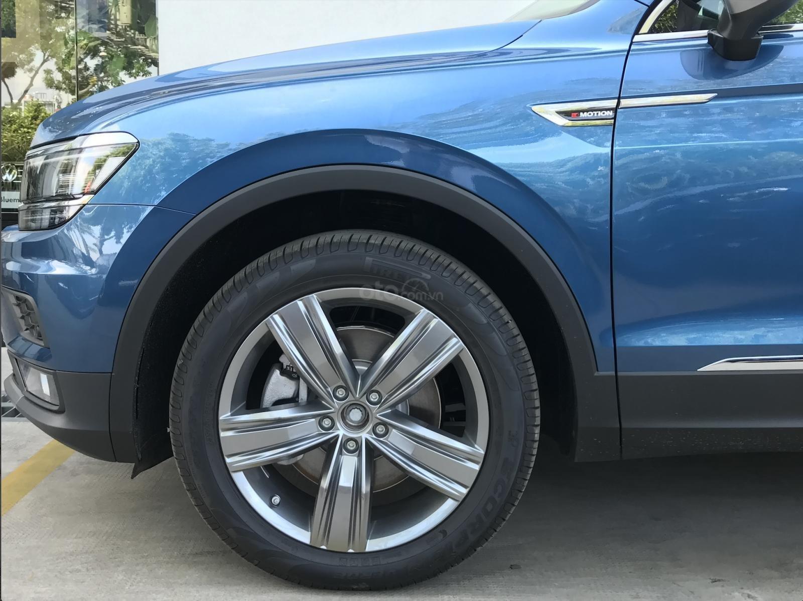 Volkswagen Tiguan Allspace - Xe Đức nhập khẩu - tháng 12 giảm giá sốc hơn 100 triệu kèm quà nhiều quà tặng giá trị (4)