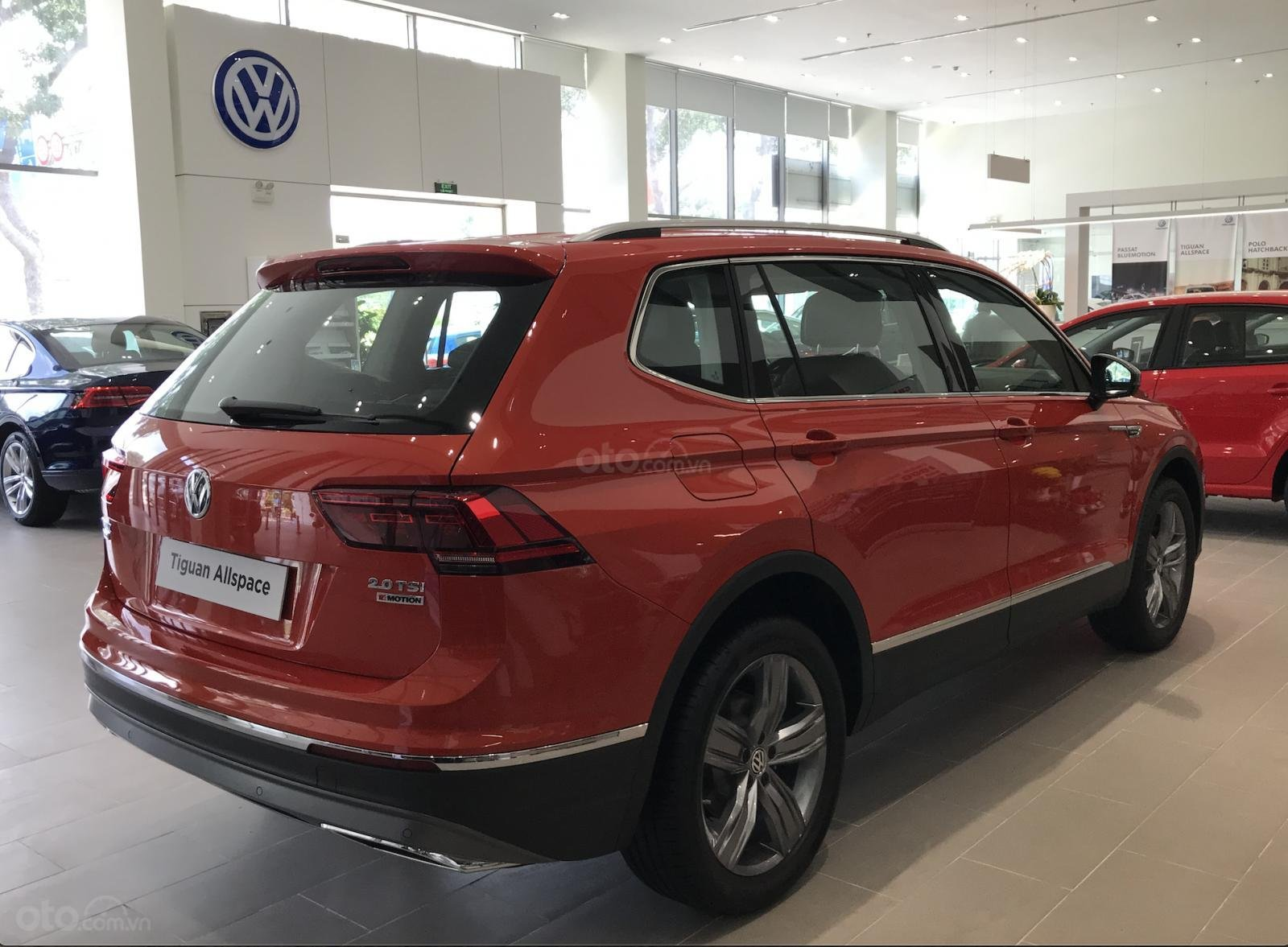 1.8 tỷ có thể mua được xe gì??? Xe Đức 7 chỗ Tiguan AllSpace giá lăn bánh kèm BHVC chưa đến 1.8 tỷ Hotline: 090 68768 54 (10)