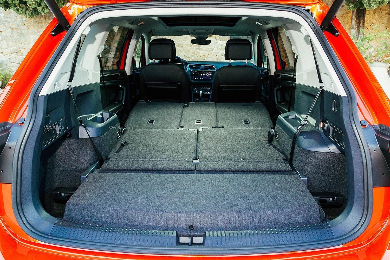 1.8 tỷ có thể mua được xe gì??? Xe Đức 7 chỗ Tiguan AllSpace giá lăn bánh kèm BHVC chưa đến 1.8 tỷ Hotline: 090 68768 54 (11)