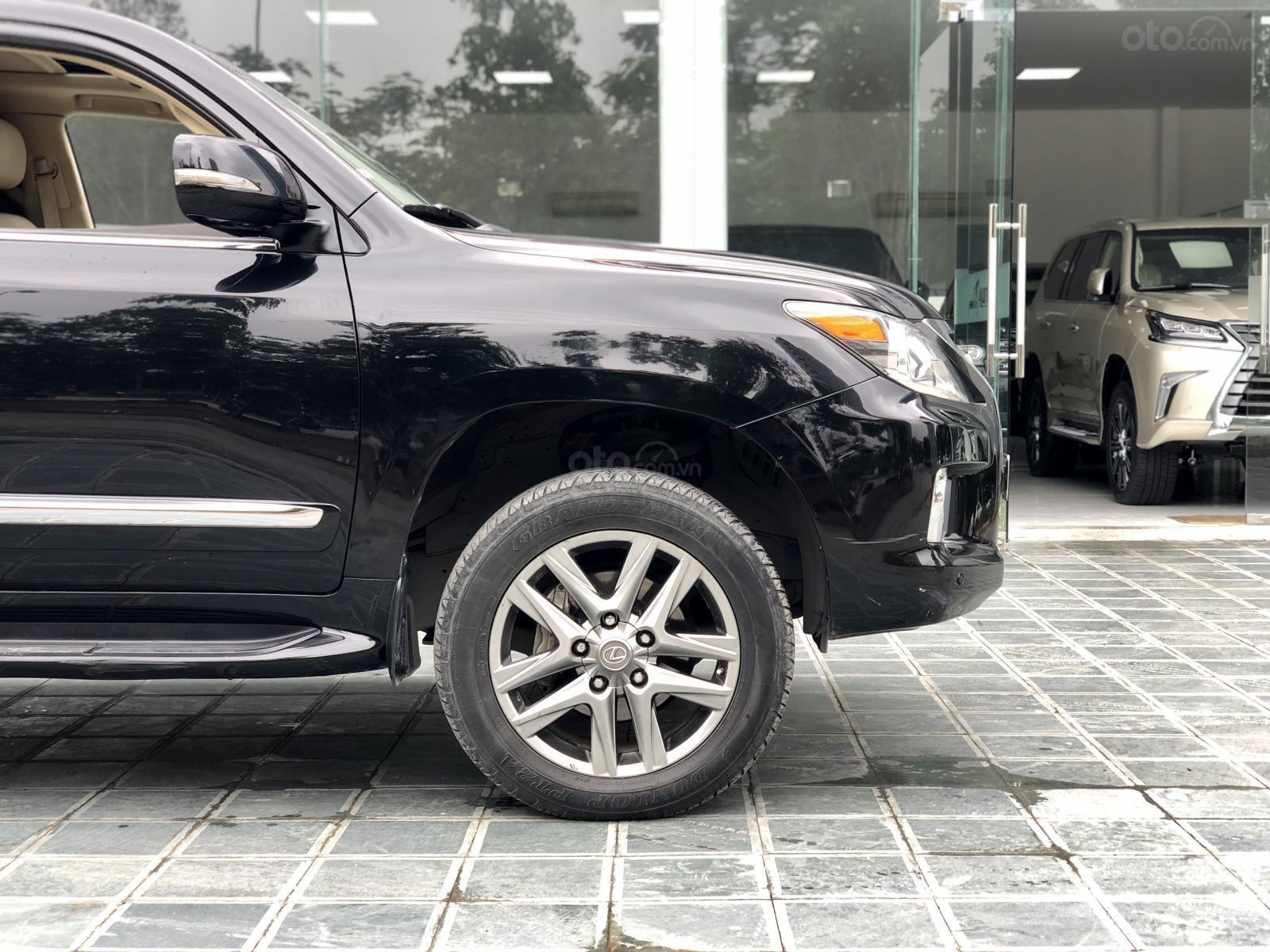Bán xe Lexus LX 570 đã qua sử dụng SX 2014, màu đen. LH em Hương 0945392468-3