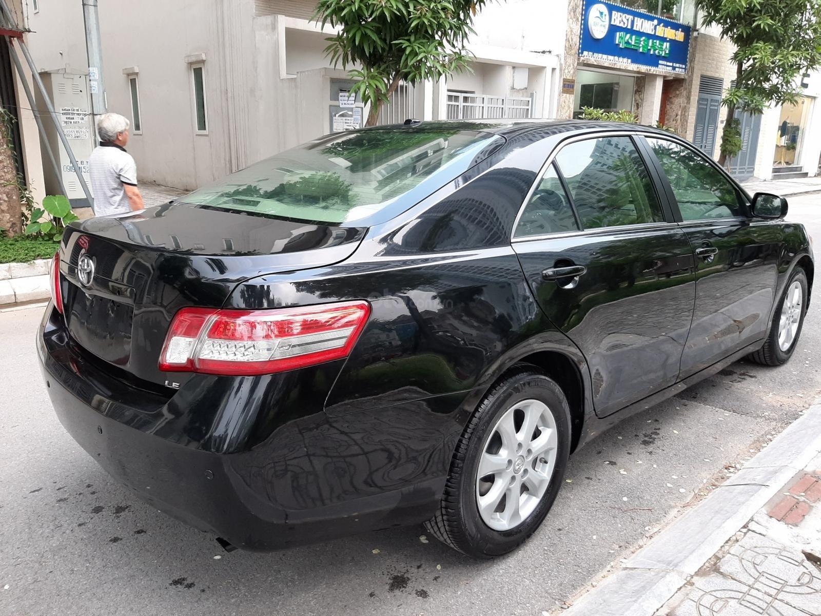Bán ô tô Toyota Camry LE đời 2011, màu đen, xe nhập, giá chỉ 705 triệu-3