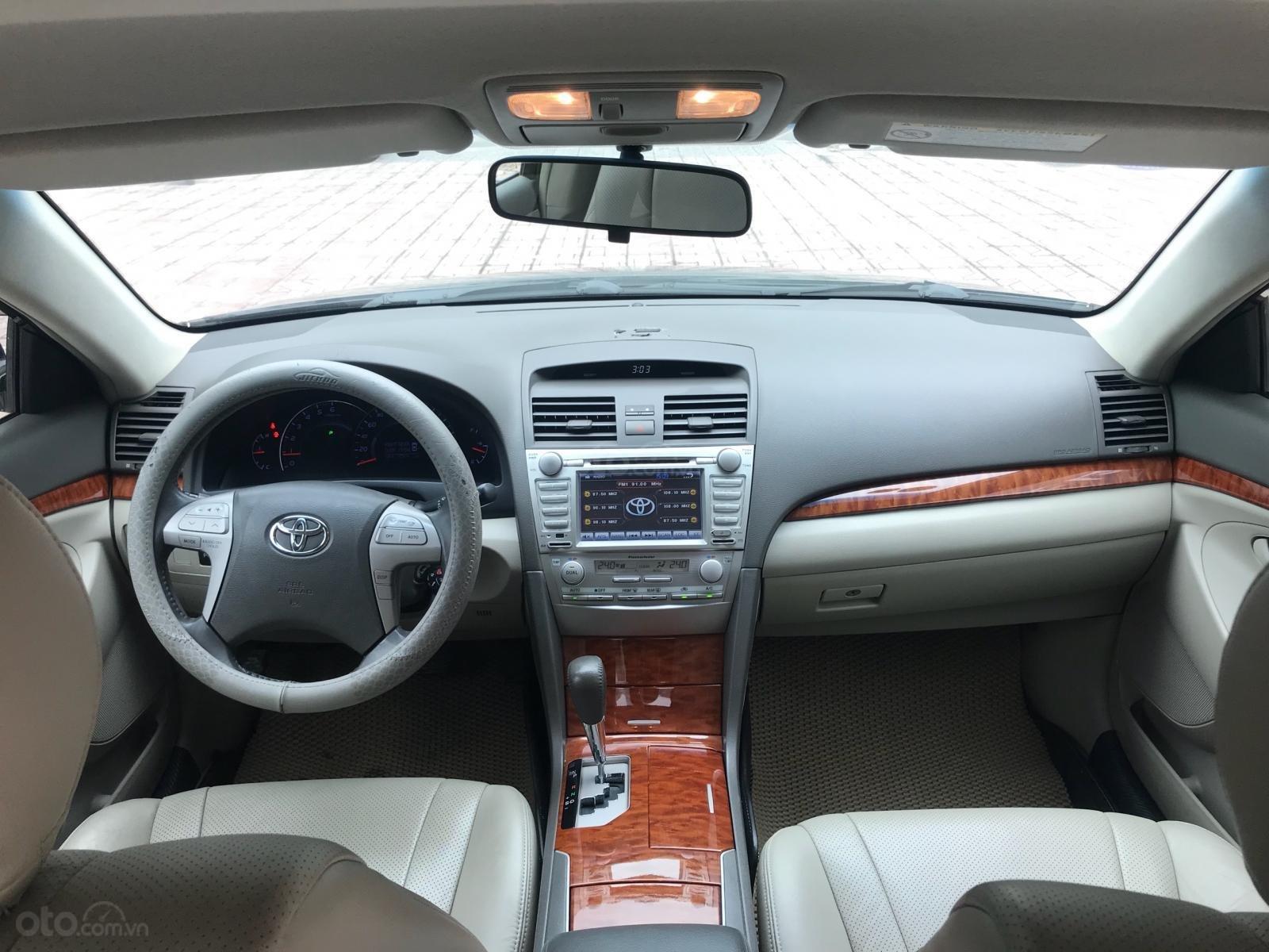 Cần bán gấp Toyota Camry 2.4G sản xuất 2010, màu đen  -10
