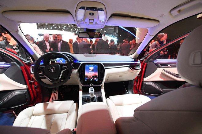 Nội thất hiện đại của mẫu xe VinFast LUX SA2.0 2019