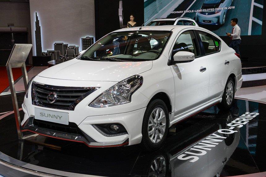 Nissan Sunny 2019 ngoại thất màu trắng