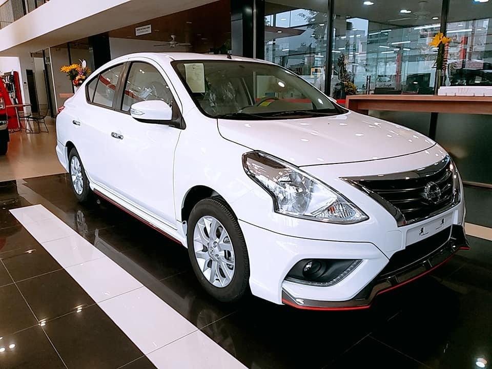 Nissan Sunny 2019 ngoại thất màu trắng a1