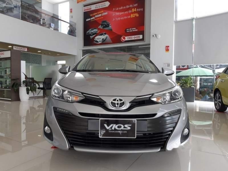 Bán Toyota Vios đời 2019, màu bạc-0
