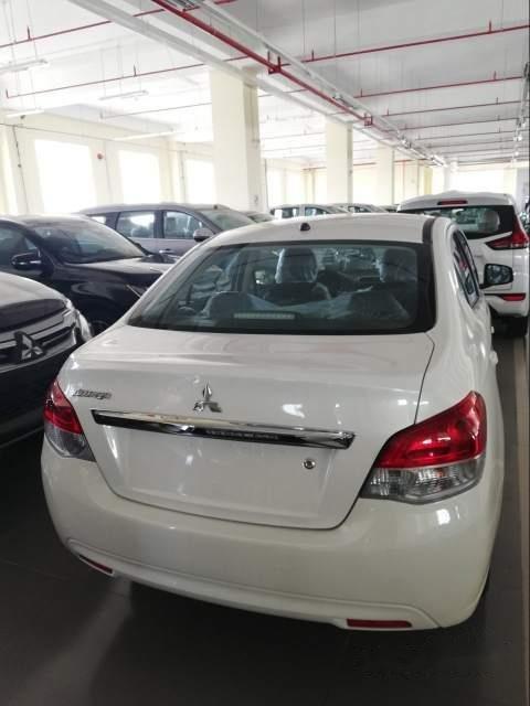 Bán xe Mitsubishi Attrage CVT năm 2019, màu trắng, nhập khẩu Thái Lan (4)