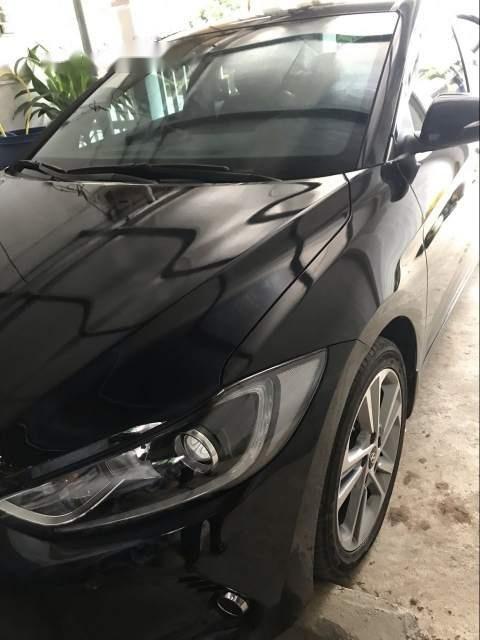 Chính chủ bán Hyundai Lantra 2.0 AT sản xuất năm 2017, màu đen-0