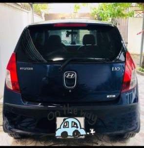 Bán Hyundai Grand i10 2010, màu xanh lam, xe nhập, full option-1