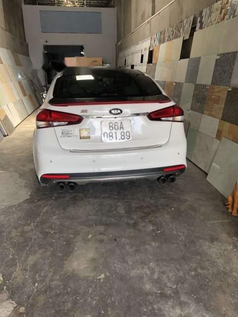 Bán ô tô Kia Cerato đời 2018, màu trắng, xe nhập số tự động-5