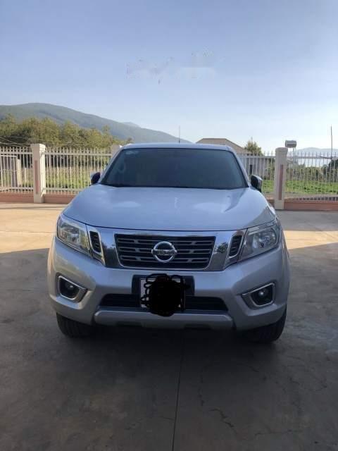 Cần bán Nissan Navara sản xuất 2015, màu bạc-0