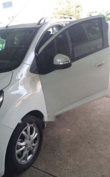 Bán Chevrolet Spark LT sản xuất 2018, màu trắng, xe nhập -2