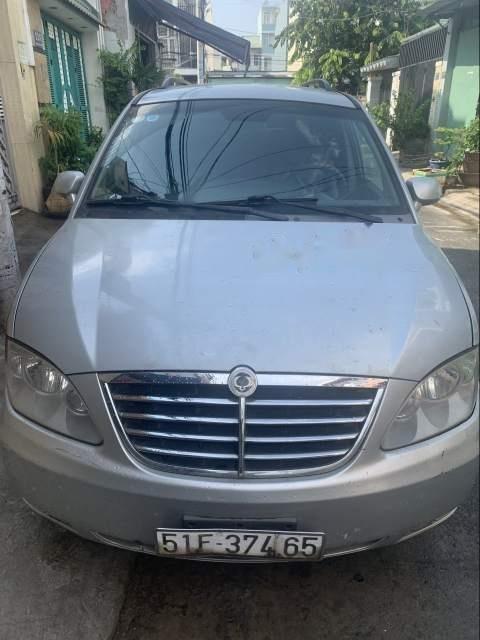 Cần tiền bán xe Ssangyong Stavic đời 2008, màu bạc-0