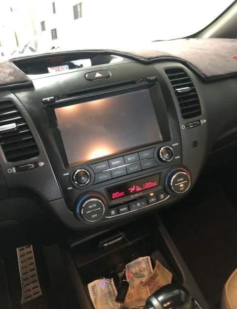 Bán ô tô Kia Cerato đời 2018, màu trắng, xe nhập số tự động-3