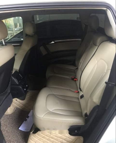 Bán Audi Q7 năm sản xuất 2007, màu trắng, đi 84000km-4