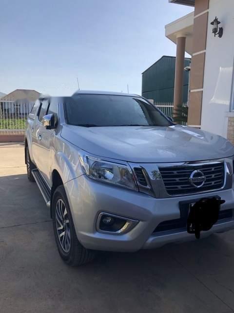 Cần bán Nissan Navara sản xuất 2015, màu bạc-1