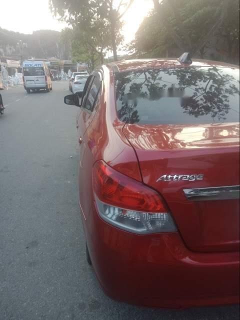 Gia đình bán ô tô Mitsubishi Attrage đời 2017, màu đỏ-0