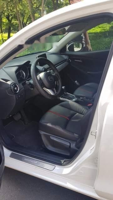 Bán Mazda 2 năm 2018, màu trắng, xe nhập, chạy lướt-3