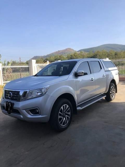 Cần bán Nissan Navara sản xuất 2015, màu bạc-2