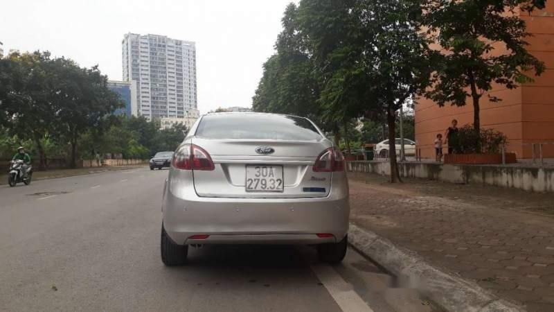Bán xe Ford Fiesta 2012, màu bạc, 295tr (1)