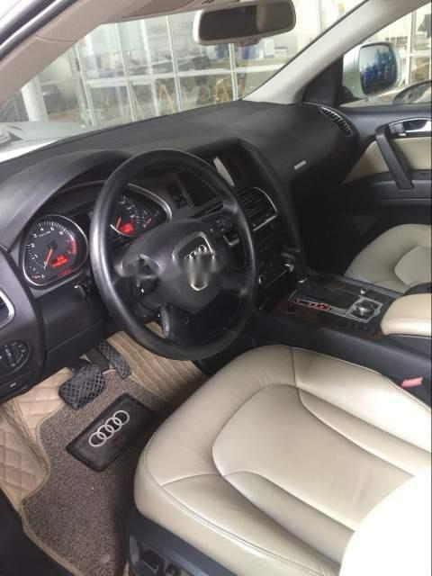 Bán Audi Q7 năm sản xuất 2007, màu trắng, đi 84000km-2
