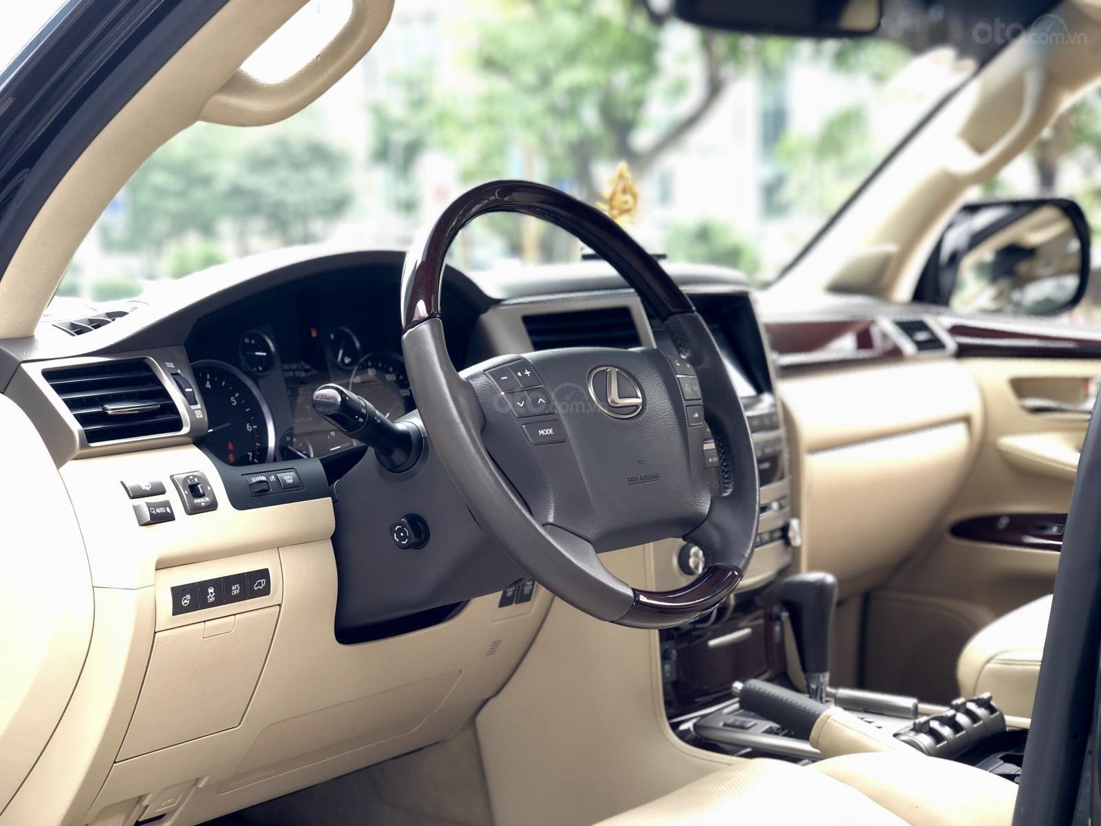 Cần bán Lexus LX 570 Mỹ sx 2014 đăng kí 2015, màu đen xe cực đẹp-9