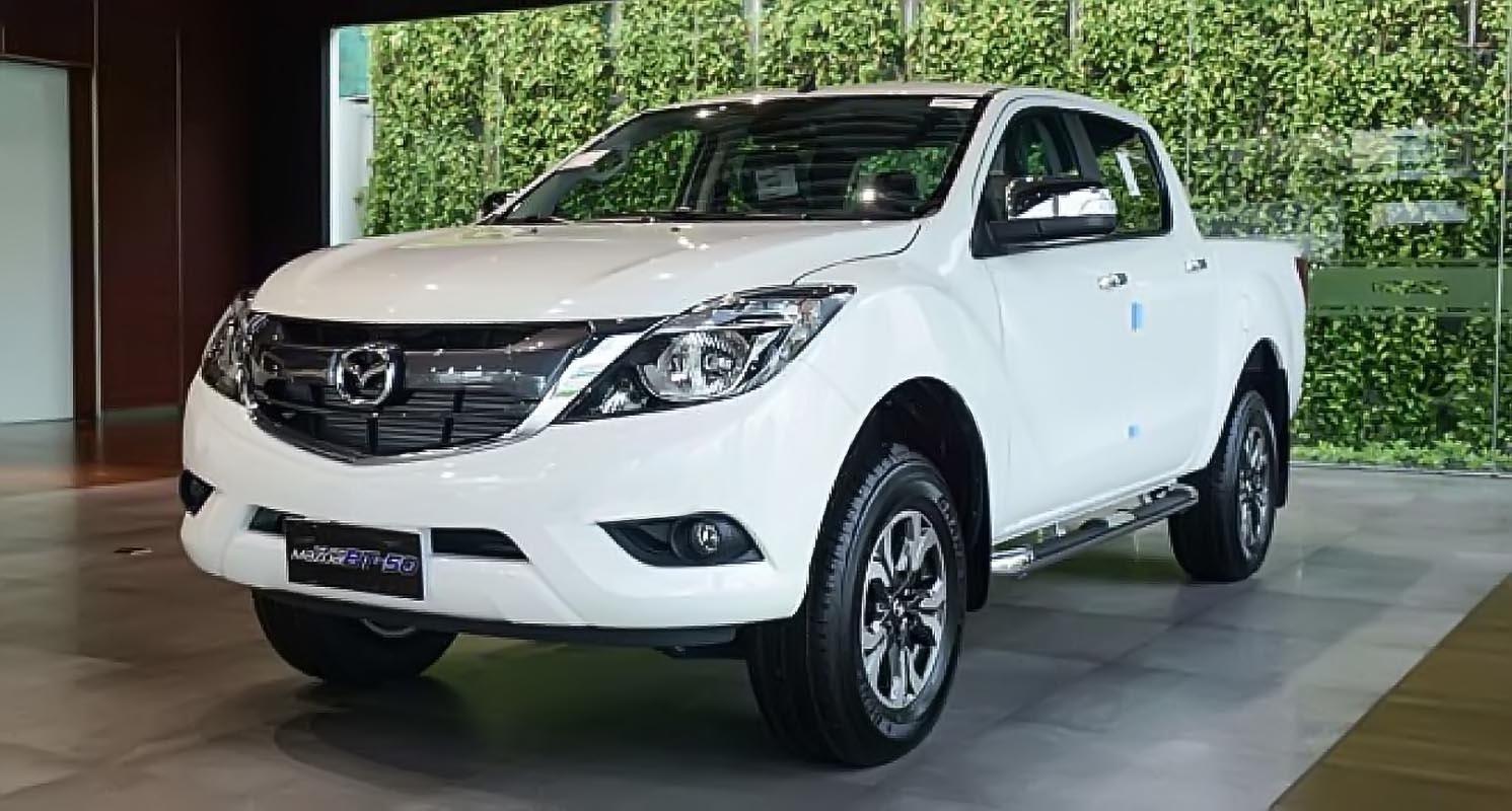Bán Mazda BT 50 2.2L 4x2 AT đời 2019, màu trắng, nhập khẩu-0