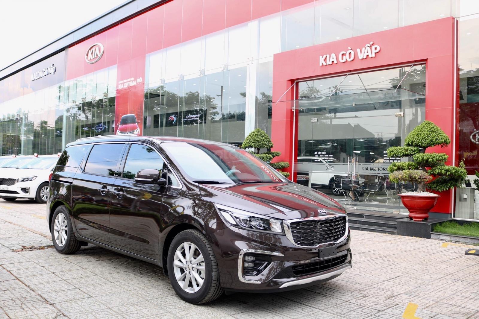 Kia Sedona 2019 huyện Hóc Môn, tặng bảo hiểm, đưa trước 370 triệu có xe-1