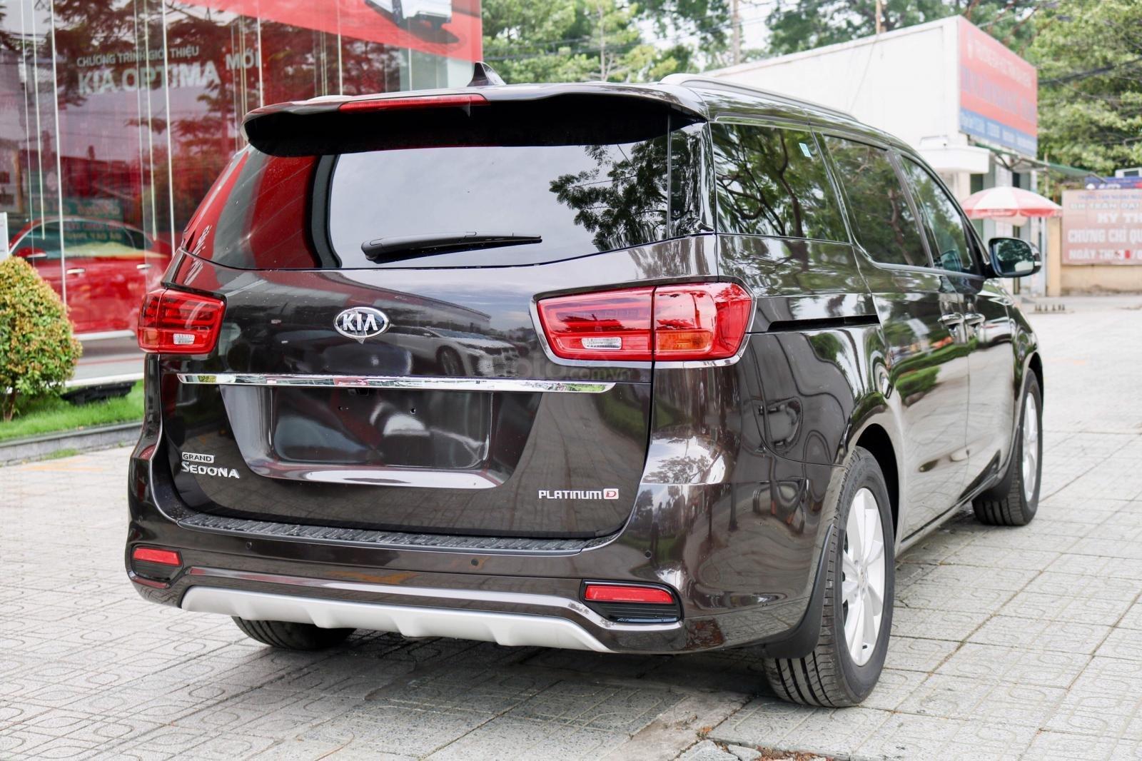 Kia Sedona 2019 huyện Hóc Môn, tặng bảo hiểm, đưa trước 370 triệu có xe-2