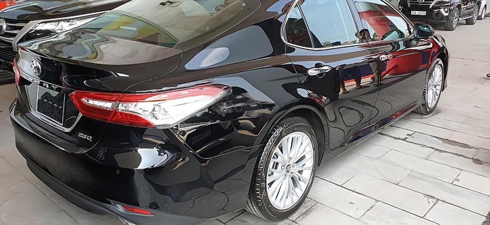 Bán Toyota Camry 2.5Q đời 2019, màu đen, nhập khẩu Thái Lan-4