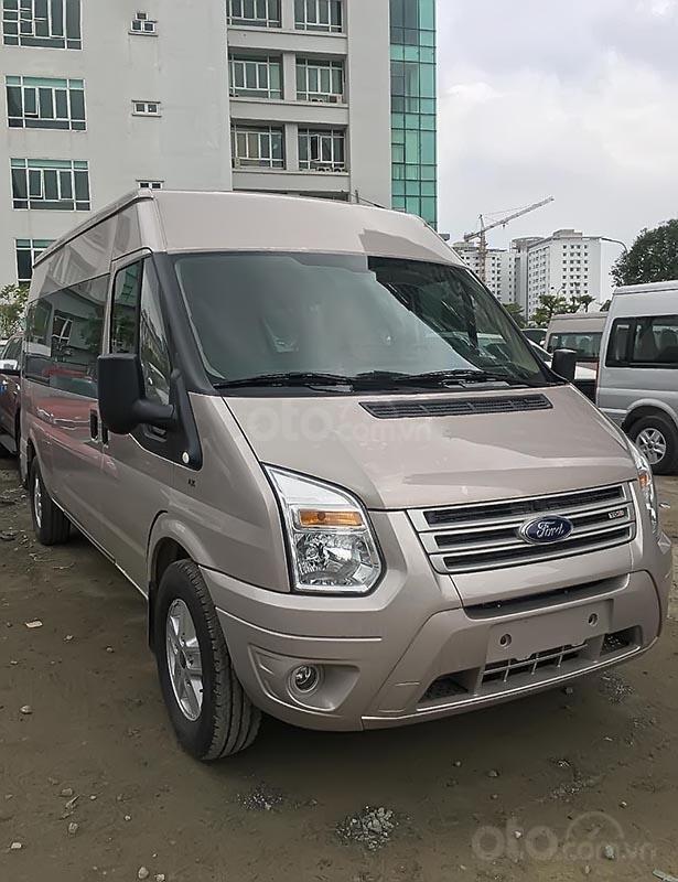 Cần bán xe Ford Transit SVP 2019, màu bạc giá cạnh tranh-2